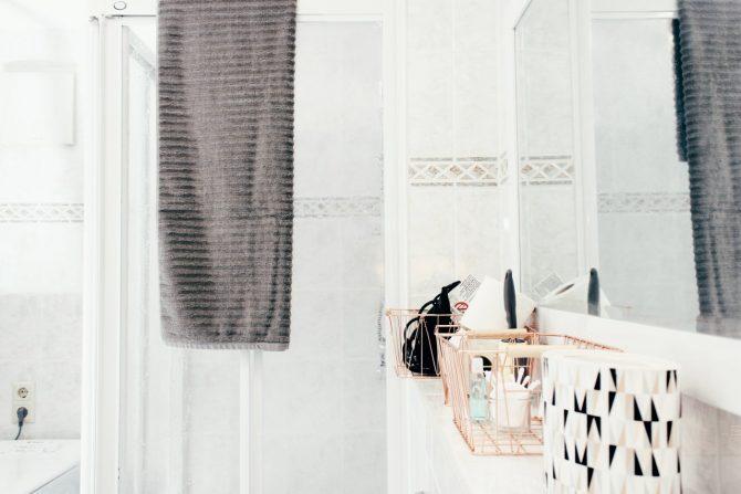 gästewohnung in halle dusche mit handtuch für gäste fön duschbad