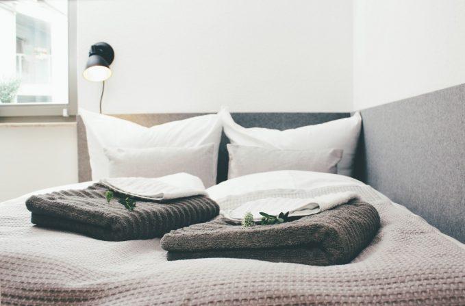 ferienwohnung halle schlafen im designerbett